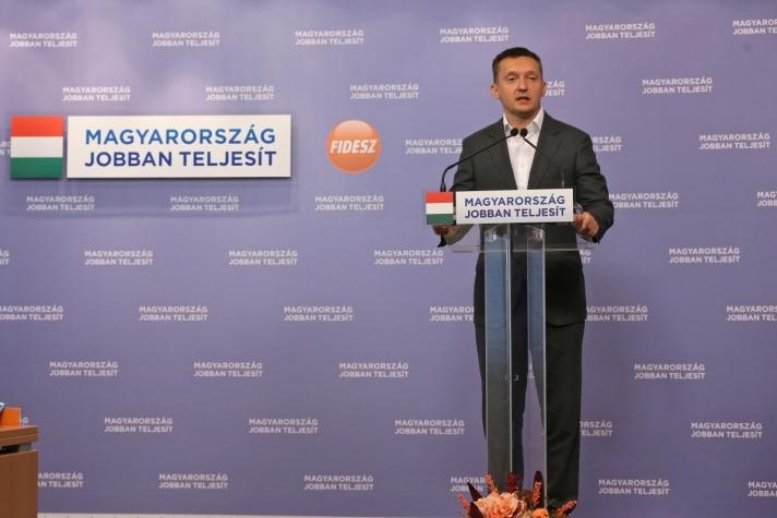 Rogán Antal:Arra kérjük az ellenzéki pártokat, hogy támogassák a határvédelemmel összefüggő, még hátralévő döntéseket