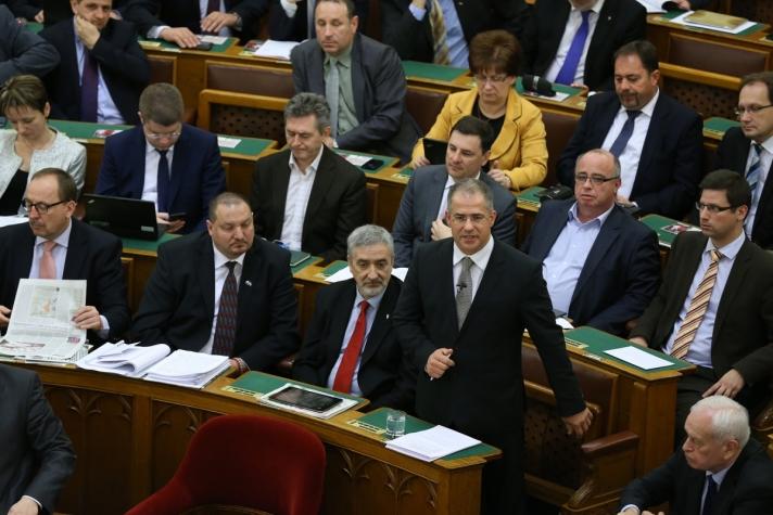 Kósa Lajos a Fidesz nevében gratulált az Oscar-díjas Saul fia alkotóinak