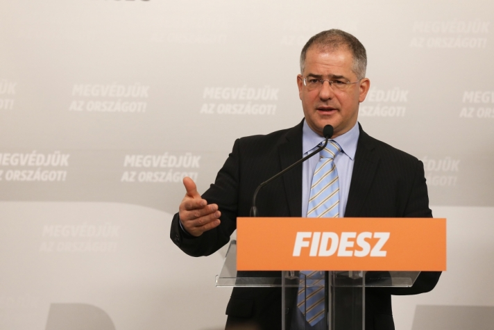 Kósa Lajos :a legfontosabb jogalkotási feladatok a júniusig tartó tavaszi parlamenti ülésszakban .