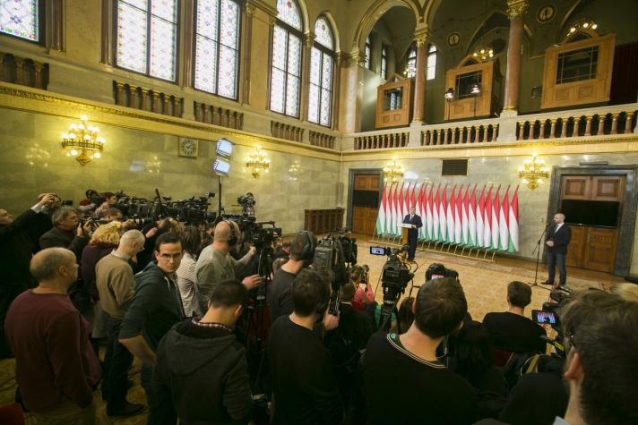 Orbán Viktor ismertette a népszavazás kérdését