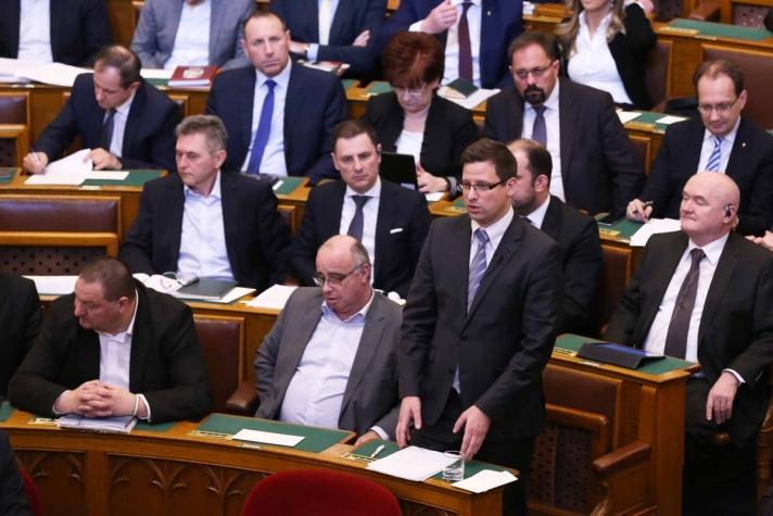 Gulyás Gergely ismertette, hogy egymillióra nőtt az új magyar állampolgárok lélekszáma