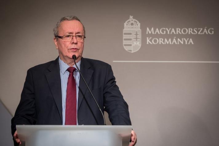 Mostantól senki sem léphet be illegálisan Magyarországra