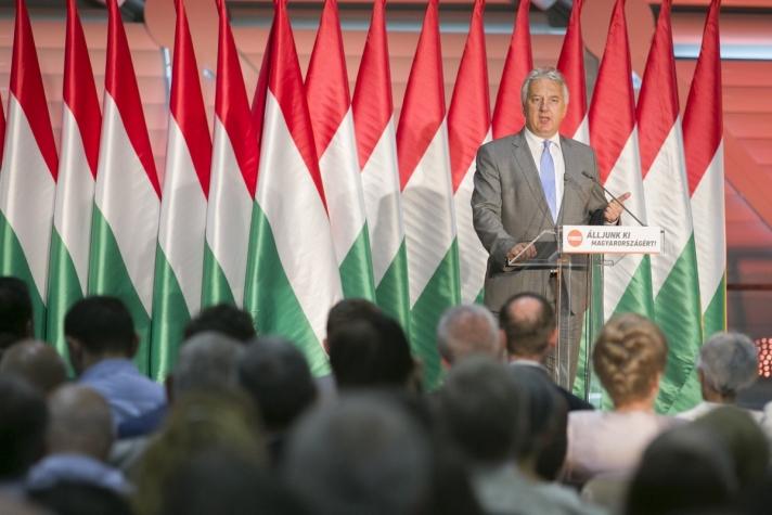 """Semjén Zsolt : a nemzeti konzultáción a magyar nemzet """"tanúságot tett"""" a józan ész, az életösztön és az önvédelem mellett."""