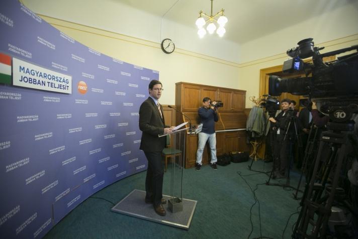 Gulyás Gergely arról tájékoztatott, hogy öt témakörben kívánnak egyeztetni.