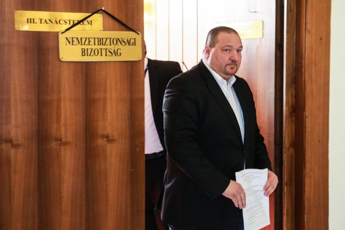 Németh Szilárd a nemzetbiztonsági bizottság ülése után.
