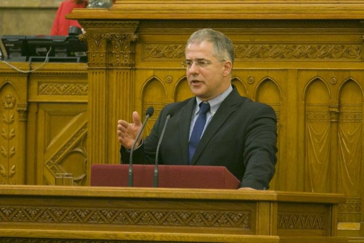 Kósa Lajos felidézte a kormány elmúlt hétéves gazdaságpolitikáját