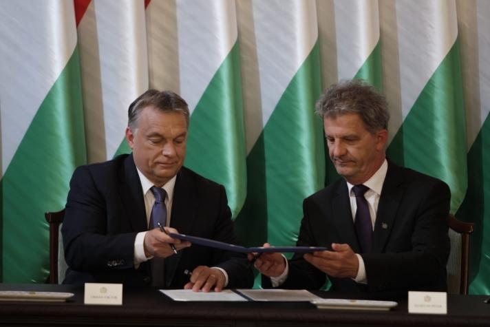 Orbán Viktor miniszterelnök a békési megyeszékhelyen
